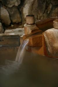 温泉の湯口